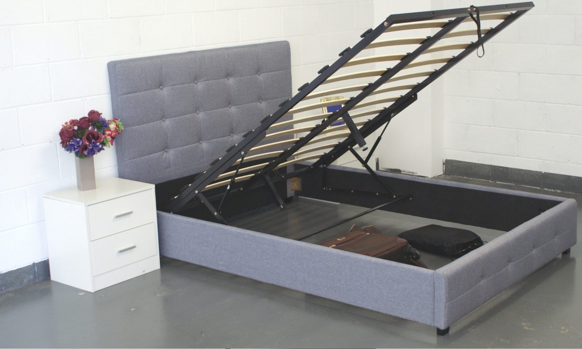 Metia Gas Lift Storage Bed with Grey Buttons